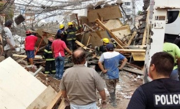 Derrumbe de la obra en construcción en avenida Rocca: el Municipio se puso a disposición de la Justicia para esclarecer el hecho