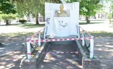 Se reparó el busto de Perón