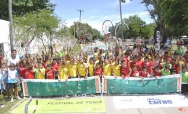 Más de 100 chicos de Otamendi participaron de un Festival de Tenis