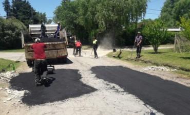 El Municipio avanza con los trabajos de bacheo en ruta 4