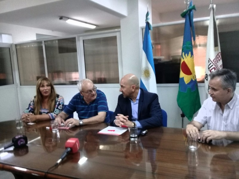"""""""La CUCEI firmó un convenio con SCIS Medicina Privada para beneficio de sus socios"""""""
