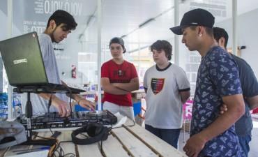 Jóvenes de la ciudad se capacitan gratis en nuevas tecnologías