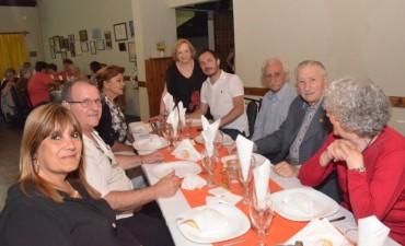 Abella acompañó a jubilados durante una cena de fin de año