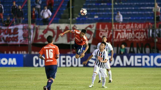 Independiente derrotado por Libertad en Asunción