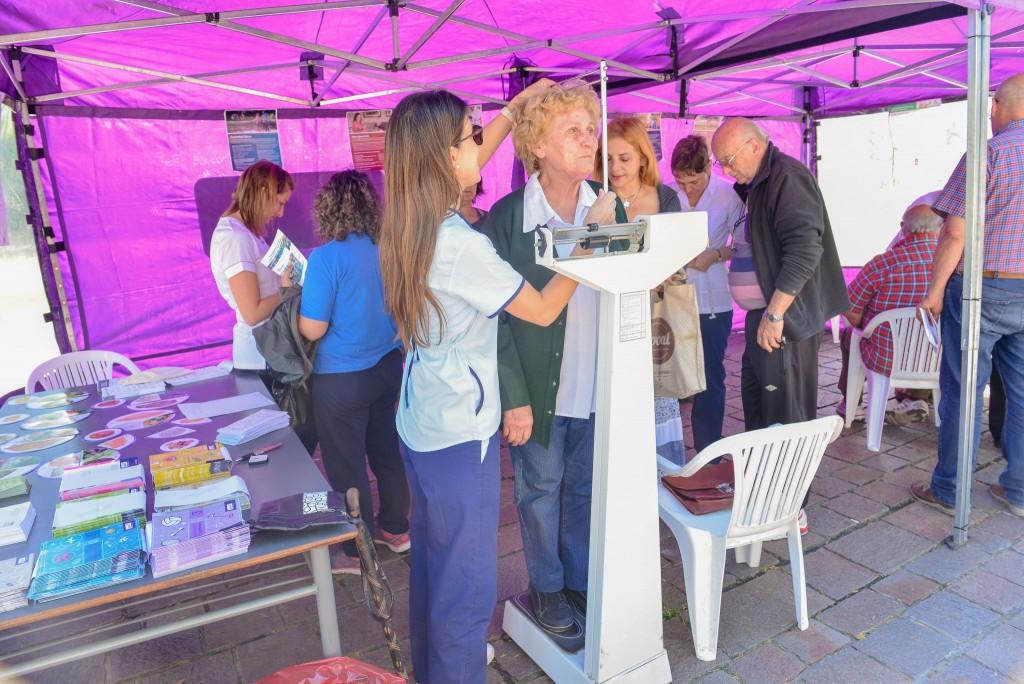 Día Mundial de la Diabetes: exitosa jornada de concientización en la plaza Eduardo Costa