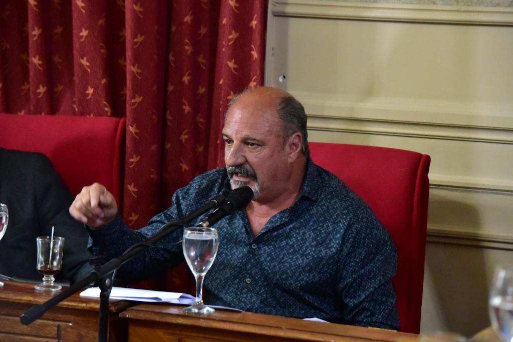 Cazador responsabilizó a la oposición por el futuro de la Costanera