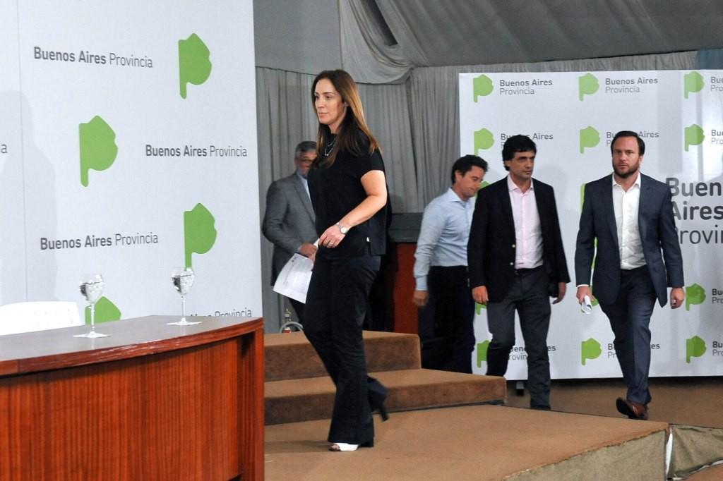 VIDAL ANUNCIÓ BONO DE 7 MIL PESOS PARA ESTATALES, DE 3500 PARA TODOS LOS JUBILADOS Y EL CIERRE DE LA PARITARIA CON GREMIOS ESTATALES PARA 2018 Y 2019