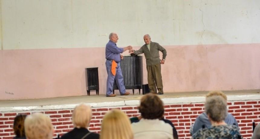 Con dos obras teatrales, culminó el Mes del Adulto Mayor