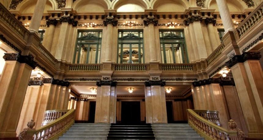 Este lunes se entregarán entradas gratuitas para un evento en el Teatro Colón