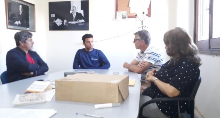 Concejales de la UV Más Campana entregaron distinción a Felipe Moderalli