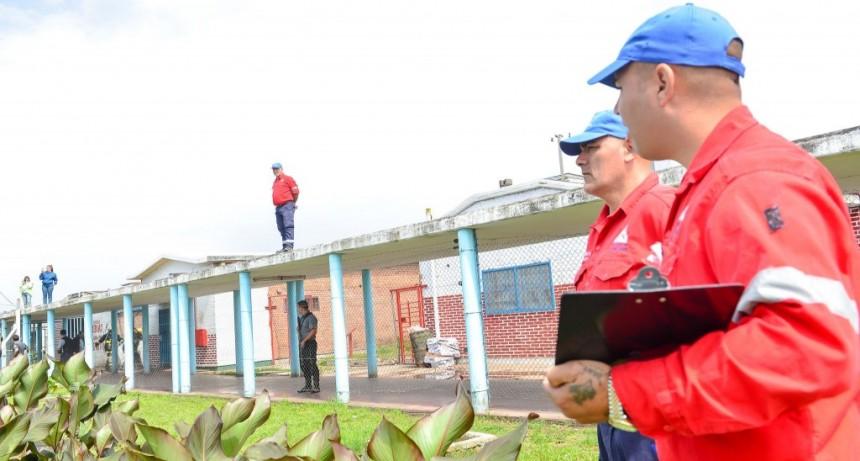 Defensa Civil participó de un simulacro de incendio en la Unidad Penitenciaria 21