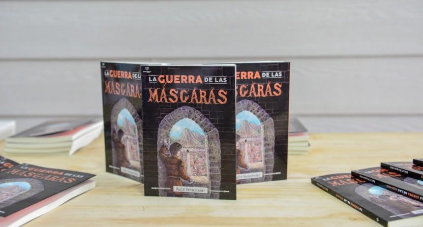 """Pablo Hergenreder presentó """"La guerra de las máscaras"""""""