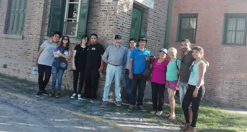 Con un city tour, vecinos de Campana y la zona conocieron los atractivos de la ciudad