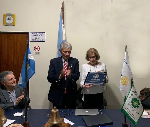ROTARY CLUB CAMPANA: DISTINCION SATO A LA COOPERADORA DEL HOSPITAL MUNICIPAL