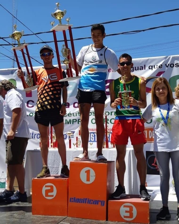 Alex Gómez y Noelia Guillermín fueron protagonistas en los 10 KM de Del Viso