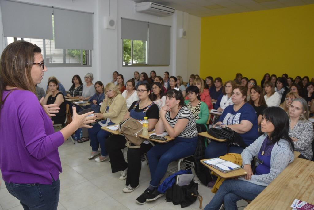 """Equipos de orientación escolar se capacitaron sobre la """"Ley Micaela"""""""