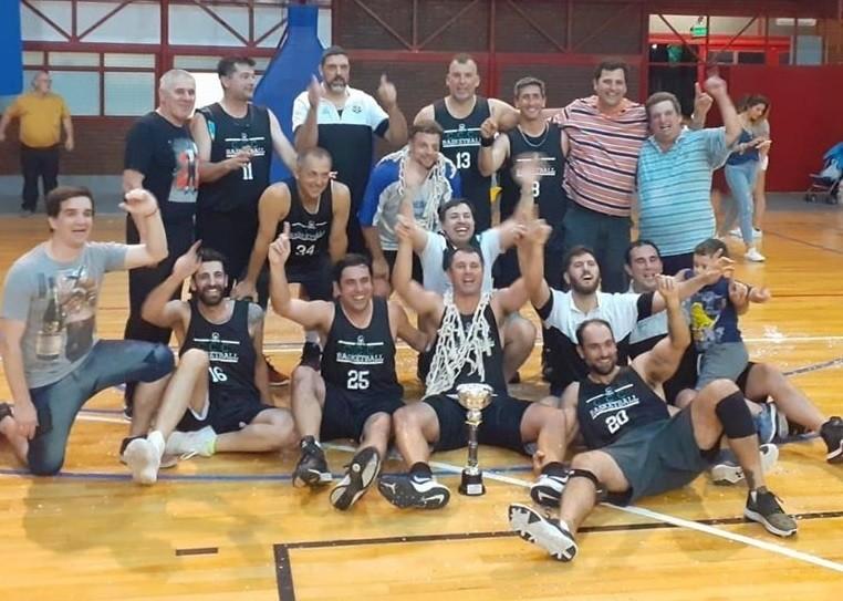 """Los """"Lagartos"""" del Club Ciudad de Campana se coronaron campeones del Torneo +35 organizado por la ABZC"""
