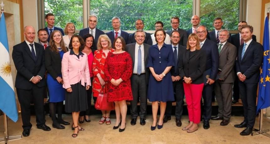 Alberto Fernández fue felicitado por los embajadores de la Unión Europea: