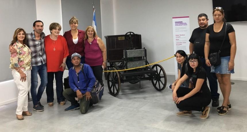 Los alumnos del curso Inglés Turístico comenzaron con las prácticas en el Museo del Automóvil