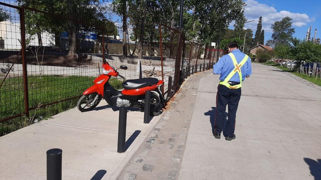 El Municipio recuerda que está prohibido estacionar en la nueva Costanera