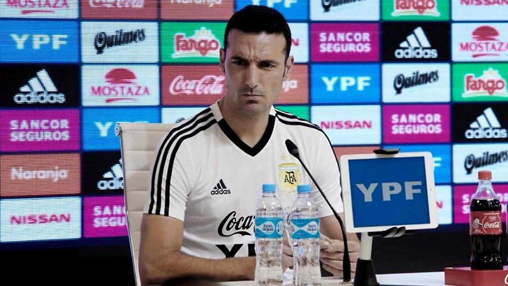 Scaloni confirma el equipo ante Perú con dos cambios y extiende su reclamo al VAR
