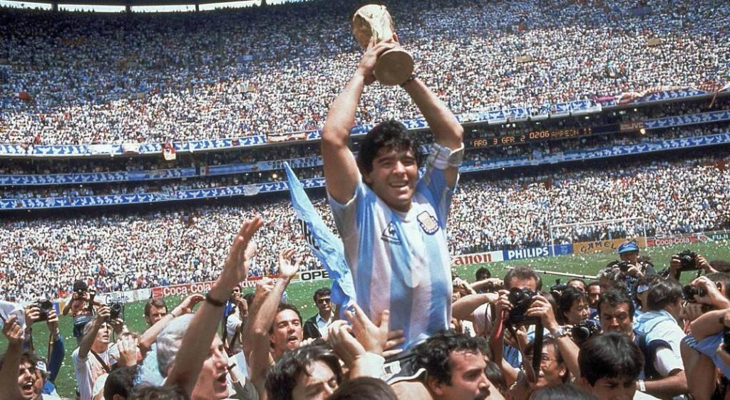 La Provincia declaró tres días de duelo  por la muerte de Diego Armando Maradona