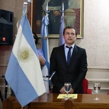 SEBASTIAN ABELLA NUEVO INTENDENTE DE CAMPANA