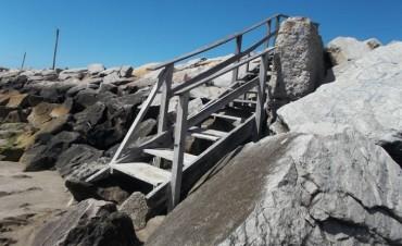 SANTA CLARA  PLAYAS - Avanza la primera etapa de la reconstrucción de las bajadas a las playas