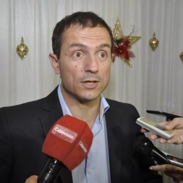 """""""Queremos que los trabajadores municipales estén cada día mejor"""", aseguró Abella"""