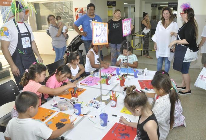 Talleres de plástica para chicos llenaron de color el Hospital San José