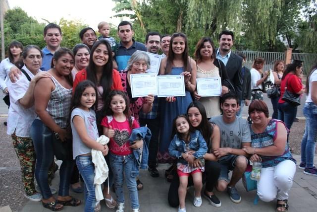 Plan Fines: los adultos que eligieron darse revancha celebran