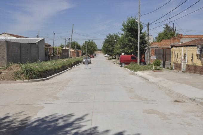 En 2017 se pavimentarán todas las calles de tierra de los barrios sociales