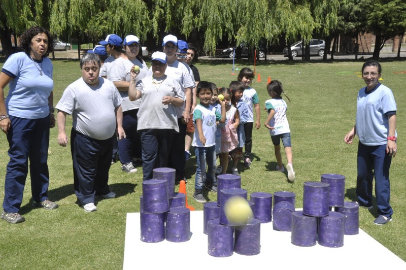 Alumnos de APID y del Jardín Nº 910 participaron de una jornada inclusiva