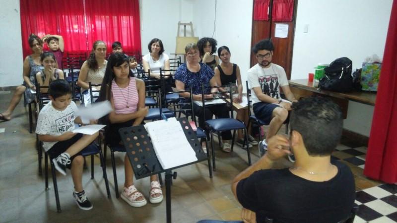 Alumnos del Taller Municipal de Canto y Música finalizaron sus clases
