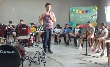 El Taller de Canto y Música tuvo su muestra anual