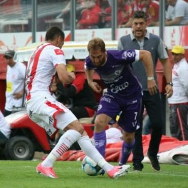 Pablo Burzio dejarìa Villa Dàlmine para jugar en Mèxico