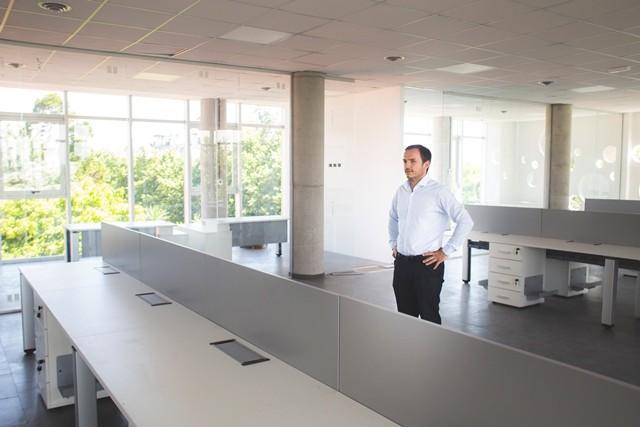 Comienza la mudanza de oficinas municipales al nuevo edificio del Parque Urbano