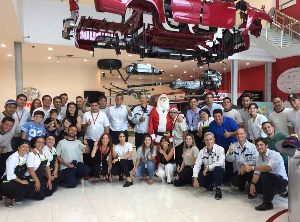 Toyota festejó la Navidad con los chicos de Zárate y Campana