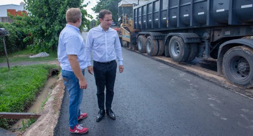 Villanueva: las obras de asfalto avanzan ahora por la calle Gavazzi