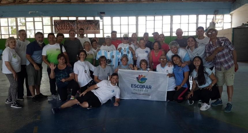 Adultos mayores participaron en el Mini Regional de Escobar
