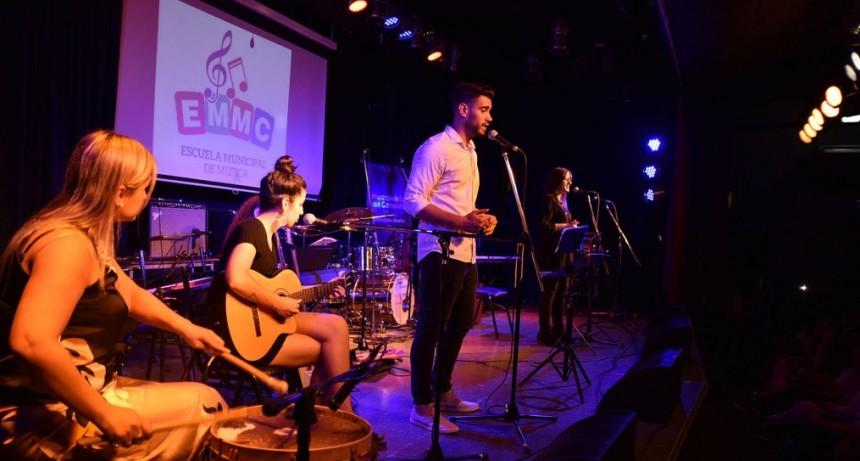 Con un gran concierto, los alumnos de la Escuela Municipal de Música cerraron el año