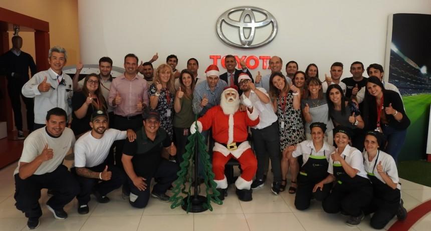 Una vez más, Toyota festejó la Navidad con los chicos de la comunidad