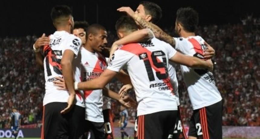 Los hinchas planean recibir a River Plate a lo grande