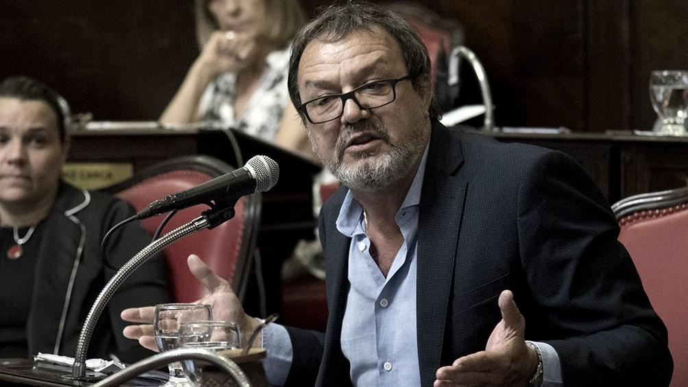 El senador opositor Costa dijo que suspender las PASO es una decisiòn que se debe concensuar