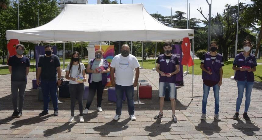 Con una campaña de concientización, se conmemoró el Día Mundial de la lucha contra el VIH - SIDA